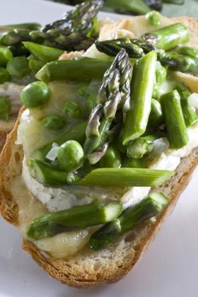 Post image for Spring vegetables and brie make for easy lunch
